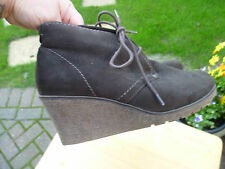 STUNNING SUEDE EFFECT BROWN LACE FRONT WEDGES ANKLE SHOE BOOTS SZ 40 PAVERS