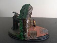 collection polystone bookends sideshow weta