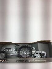 1/16 SCALE FORD 9N SPECIAL EDITION 50TH ANNIVERSARY TOY TRACTOR WITH 2 BOTTOM PL