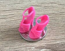 1:12 Scale Pair Of Pink Ladies Plastic Shoes Tumdee Dolls House Miniature P4 Miniatuurpoppen