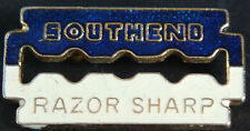 SOUTHEND UNITED RAZOR SHARP Rare vintage badge Brooch pin In gilt 33mm x 17mm
