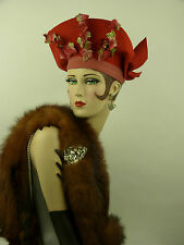 VINTAGE HAT 1940s USA, RASPBERRY RED HIGH FRONT HAT w VELVET IVY & WINGED BOW