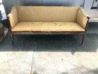 Antique Mahogany Wood Settee e Seat, Regency Style Brass Castors
