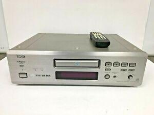 Denon DVD-2900 SACD/DVD/CD Player with Remote (72544/AH)