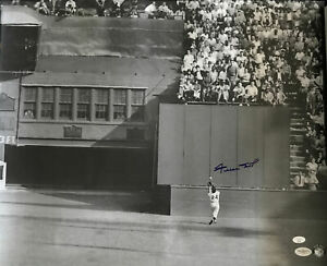 """WILLIE MAYS SIGNED AUTOGRAPHED 16X20 """"THE CATCH"""" PHOTO JSA CERTIFIED COA GIANTS"""