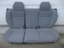 Fiat Punto 188 : geteilte Rücksitzbank mit Kopfstützen hinten