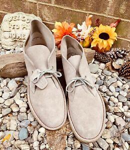 NEW Clarks Desert Boot 31695 Men's Size 10.5 M- Sand Suede Comfort