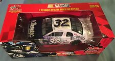 1999 Racing Champions Jeff Green #32 Kleenex Chevrolet NASCAR 1:24 Scale Diecast