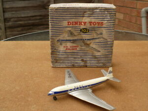Dinky diecast no 702 D.H.COMET AIRLINER 1960's all original very good condition
