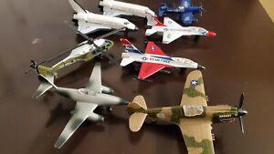 """Lot of 8 Vintage Die-cast Metal 3-4"""" Airplane Toys"""