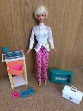 Mattel Muñeca Barbie Veterinaria Y Accesorios Vintage Década de 1990
