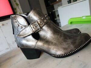 Ladies Silvee Mid Heel Studdee Booties Texan 6