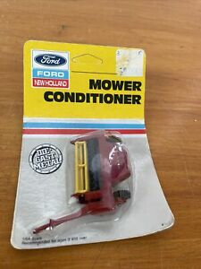 Ertl 1987 Farm Country New Holland Mower Conditioner Implement #322 NEW
