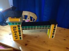 Scalextric C234 Dunlop Control Tower & Crosswalk