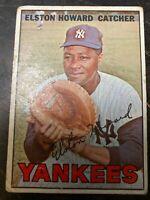 1967 Topps #25 Elston Howard - New York Yankees