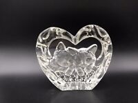 CRYSTAL CLEAR COLLECTABLES KITTENS HEART GLASS PAPERWEIGHT (606)