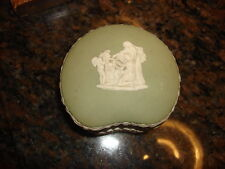 Antique WEDGWOOD ENGLAND Covered Trinket Jar/Kidney-Shape /Green 66/Cherubs