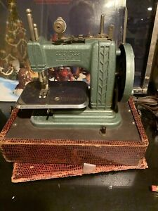 Used Vintage Betsy Ross 707-E Childs Sewing Machine Red Case