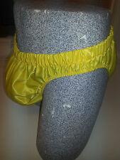 NUEVO nailon Satén Corte Alto BRAGUITAS, Pantalones cortos de baño Pequeña A