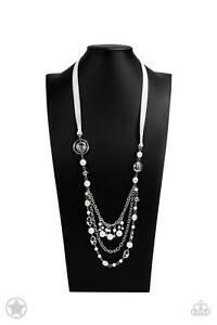 NWT! Paparazzi ~ All The Trimmings ~ Ivory Necklace