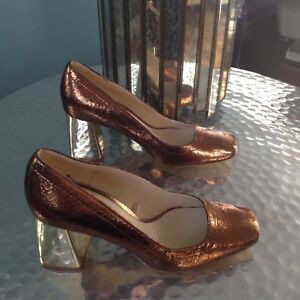 Ladies Gold/Copper Shoes By Zara Size 2