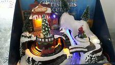 Village de Noël lumineux musical et animé PETIT TRAIN