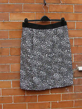 Worn once size 14 Coast lined patterned knee length skirt,feature piped zip,