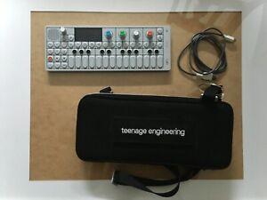 Teenage Engineering OP-1 (wie neu!) + Premium Softcase