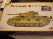 Cyber-hobby 1/35 Flammpanzer 111 9 F-1) 3 en 1 + Alemán STURMPIONIER Kursk 1943