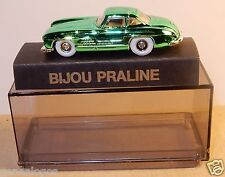 NEUF PIN'S BIJOU PRALINE HO 1/87 MERCEDES-BENZ VERT METAL IN BOX NEUF