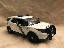 1/18 SCALE PHILADELPHIA PA POLICE FD SUV  DIECAST WITH WORKING LIGHTS AND SIREN