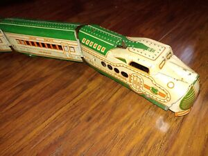 Marx M 10005 Engine w/3 Cars Green/Cream - Original Condition No Box