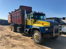 1996 MACK RD 690S ROLL-OFF CONTAINER TRUCK