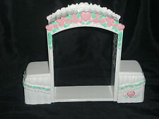 Fisher Price Loving Family Dollhouse Wedding Arch Flowers Heart