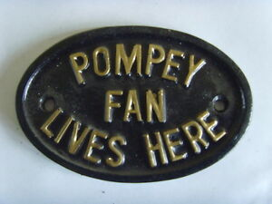 PORTSMOUTH FAN FOOTBALL PLAQUE  PLAY UP POMPEY HOUSE SHED GARAGE SIGN