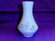 Winterling  Vase weiß mit Blütendekor  14,5 cm hoch