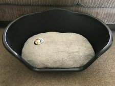 SMALL BLACK PLASTIC PET BED CAT DOG BASKET LUXURY GREY FLEECE WASHABLE CUSHION