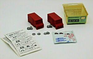 Magnuson Models 439-931 - (2) GMC Step Van Kits w/ Decals - HO / 1:87