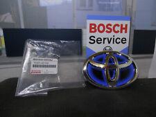 Original Toyota Yaris 3 Hybrid Emblem Zeichen für Kühlergrill vorne 75301-0D130