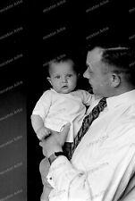 Negativ-Portrait-Mann-Kleinkind-Cute-German-Man-Baby-1930er Jahre-1930s-1
