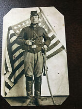 Civil War Military  UNIDENTIFIED UNION SOLDIER with Pistol & Flag tintype C856RP