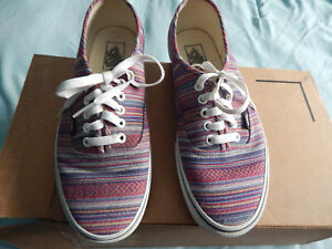Vans womans 10 sneakers tiny stripes worn once-Xlnt