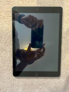 Apple iPad 6th Gen. 32GB Wi-Fi  9.7in. - Space Grey