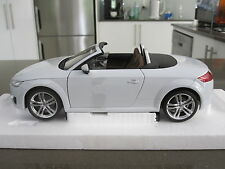 1:18 MINICHAMPS AUDI TT ROADSTER - DEALER EDITION **REDUCED TO CLEAR**