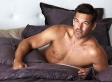Eddie Cibrian UNSIGNED photo - 8912 - TOPLESS!!!!!