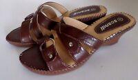 Damenschuhe Sandaletten Pantoletten Pantoffel Keilabsatz Braun Scandi Gr.38 NEU