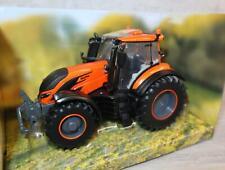 Bri43273 - Traktor Valtra T orange