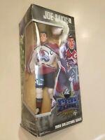1998 Joe Sakic NHL Pro Zone Collectors Series statue figure.