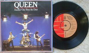 Queen - Another One Bites The Dust / Dragon Attack - RARE UK 45 + Cover