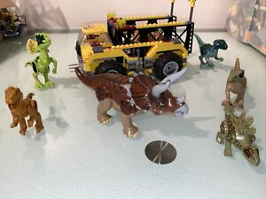 LEGO Triceratops Trapper 5885 & other Compatible Dinosaurs